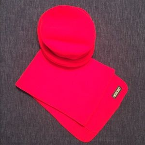Lands' End Bright Red Hat & Scarf